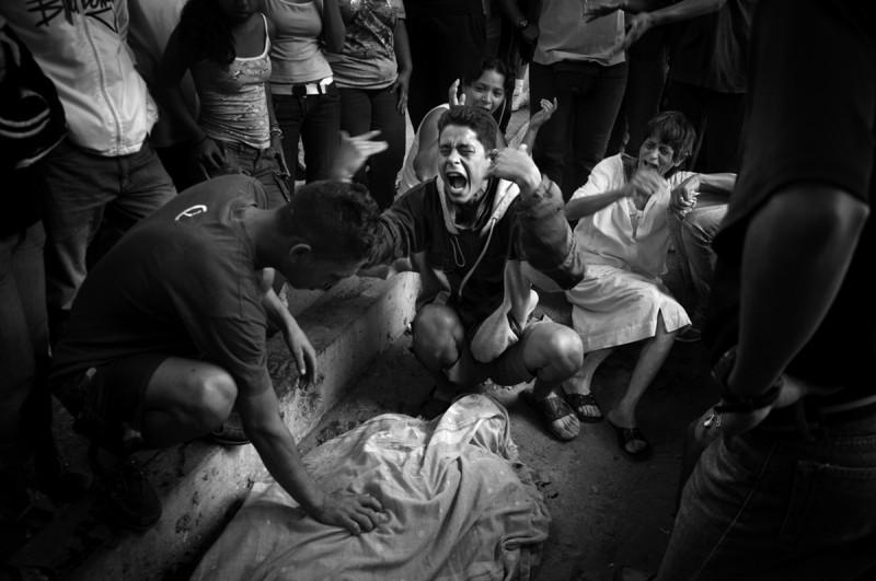 Caracas, The City of Lost Bullets © Lurdes R. Basolí